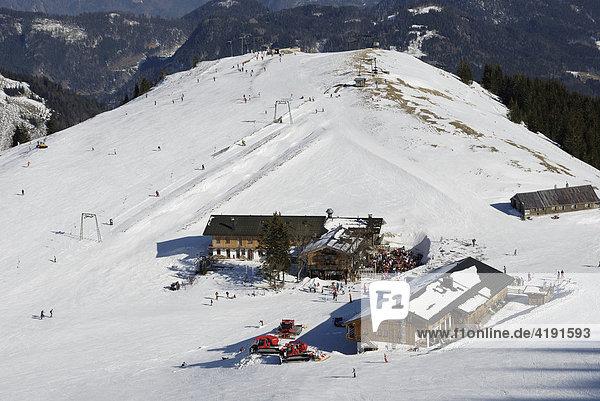 Berghütten im Skigebiet Sudelfeld  Bayerische Alpen  Deutschland  Europa