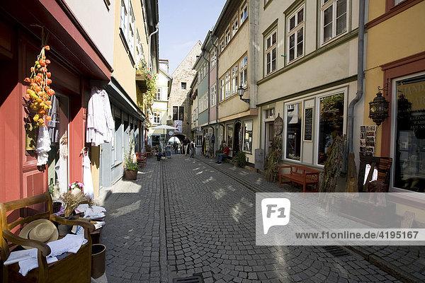 Krämergasse in der Altstadt von Erfurt  Krämerbrücke  Thüringen