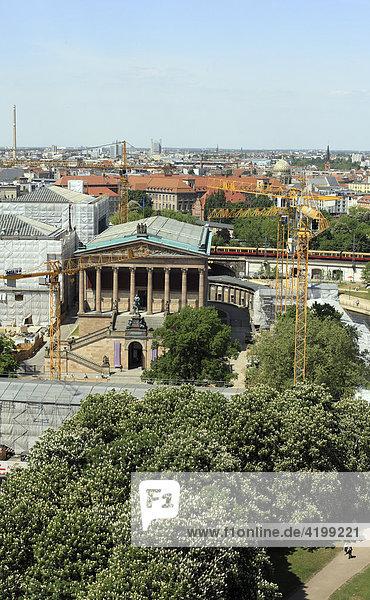 Alte Nationalgalerie an der Spree  Berlin  Deutschland  Europa