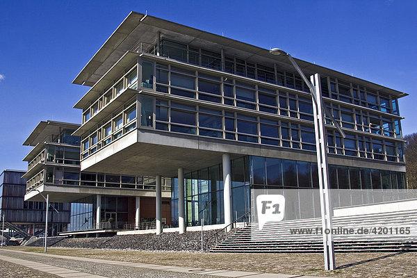 Moderne Bürogebäude an der Elbe in Hamburg Neumühlen  Hafen  Hamburg  Deutschland