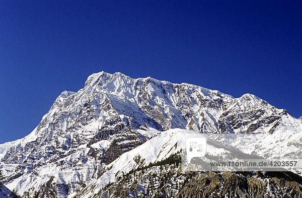 Mit 7555 Metern ist der Annapurna III der fünfthöchste Gipfel im Annapurna Gebiet  Himalaya  Nepal  Asien