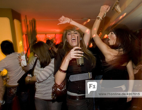 People partying in the China Lounge in the Reeperbahn red-light district  Nobistor  Sankt Pauli  Hamburg  Germany