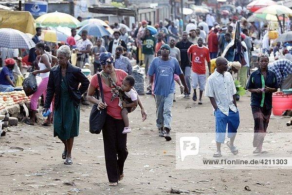 People at the Fajardo Market in Maputo  Mozambique