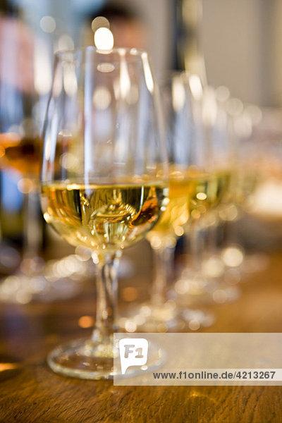 Gläser Weißwein