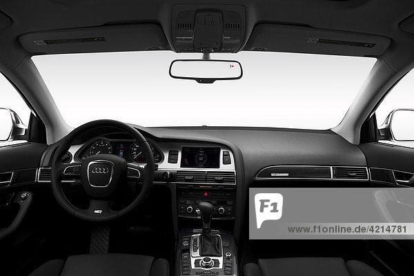 2011 Audi S6 5.2 Quattro in weiß - Dashboard  Mittelkonsole  Getriebe-Shifter-Ansicht