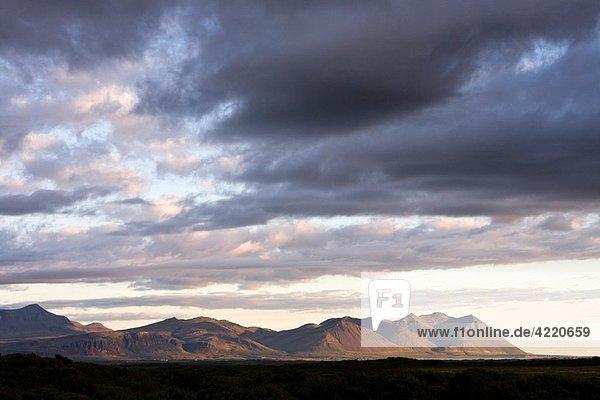 Hafnarfjall and Skardsheidi mountains  Borgarfjordur  Southwest Iceland