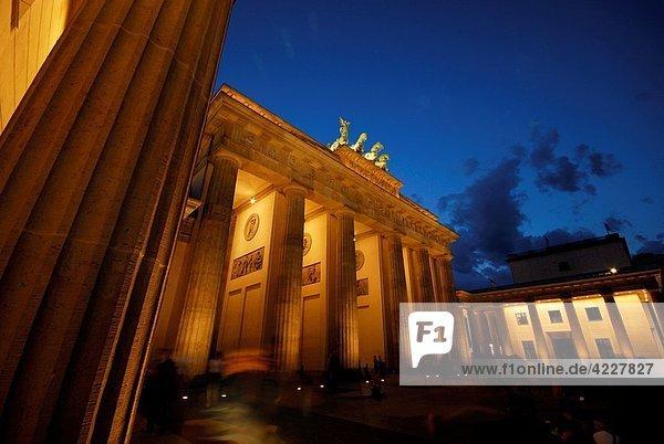 Einkaufszentrum  Berlin  Hauptstadt  Tür  Brandenburg  Deutschland