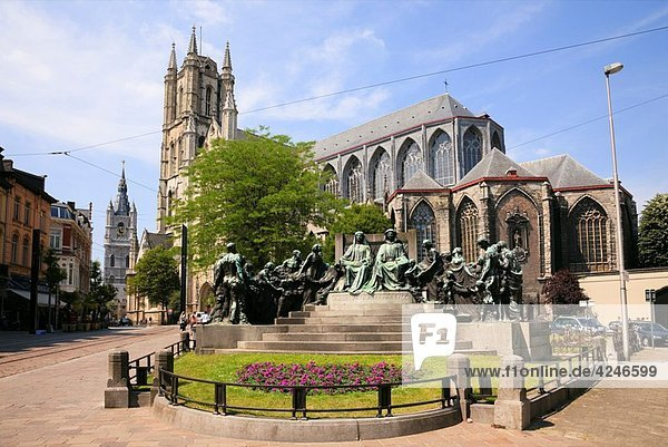Sint Baafsplein  Torens-site  Ghent  East Flanders  Belgium  Europe Statue of Hubeto and Johanni Van Eyck brothers by Saint Bavo Catherdral in historical centre