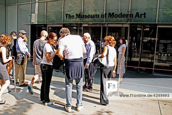 Museum of Moden Art (MoMA)  New York.
