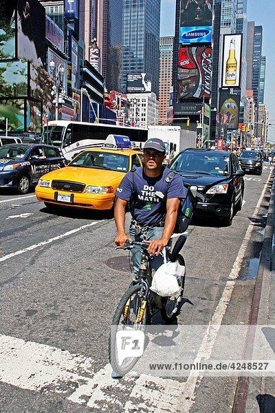 bicycle  Broadway  New York  USA