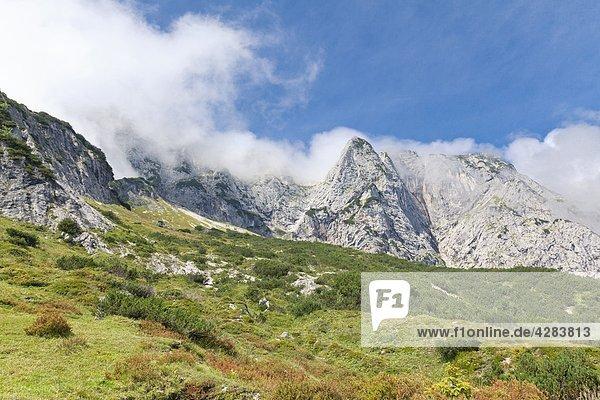 Nebel am Untersberg  Berchtesgadener Hochthron  Österreich  Europa Nebel am Untersberg, Berchtesgadener Hochthron, Österreich, Europa
