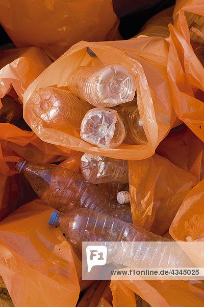 Recycling von Kunststoffflaschen