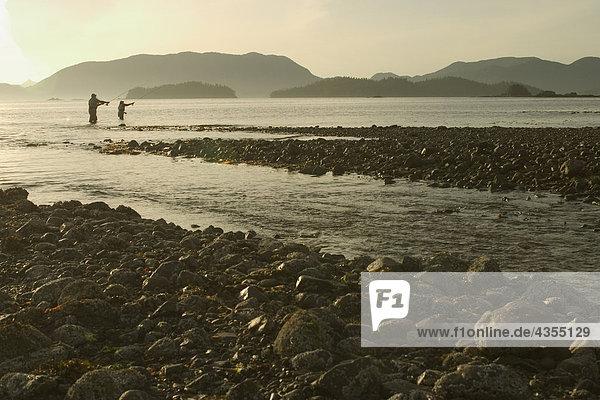 Fischereihafen Fischerhafen nahe Küste Süden Geräusch zeigen Fliegenfischen
