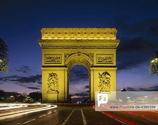 Arc de Triomphe  Bogen  Paris  Frankreich  Nacht  Verkehr  Lichter  Kämpen Elysees  Hauptstadt  Stadt  Wahrzeichen  Denkmal  Leg