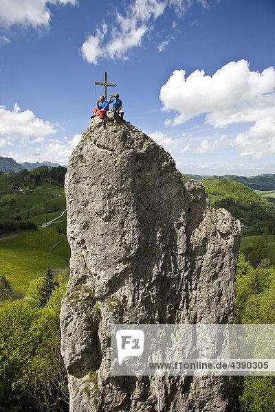 Mann  Männer  Seilschaft  sichern  Gipfel  Klettern  Landschaft  Ennstal  Losenstein  Laussa  Oberösterreich  Oesterreich  Öster