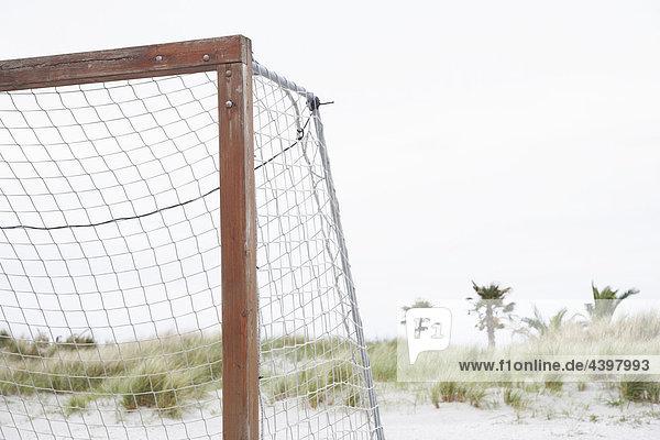 Fußballtor am Strand