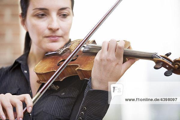 Porträt von weiblichen violinist
