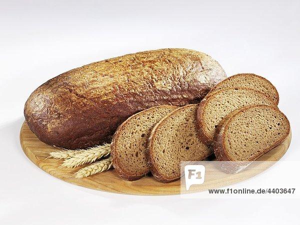 Ganze Brotlaib Brown mit slices