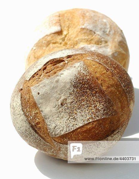 Ein Brot Weizenbrot und einem Laib Brot