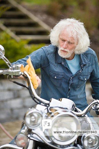 Mann Reinigung Vintage Motorrad