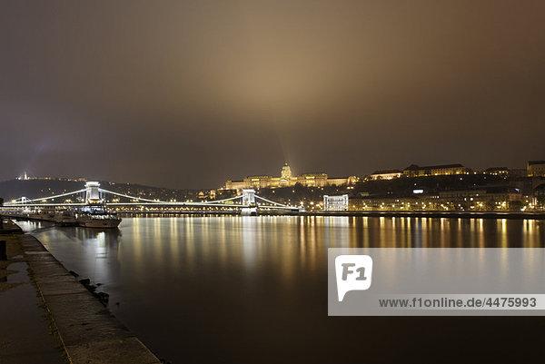 Fluss  Donau