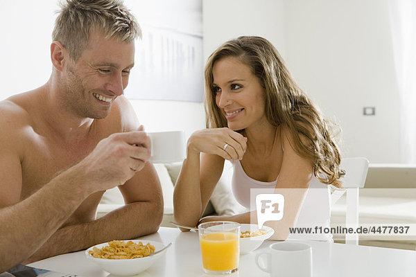 lächeln  über  jung  Frühstück