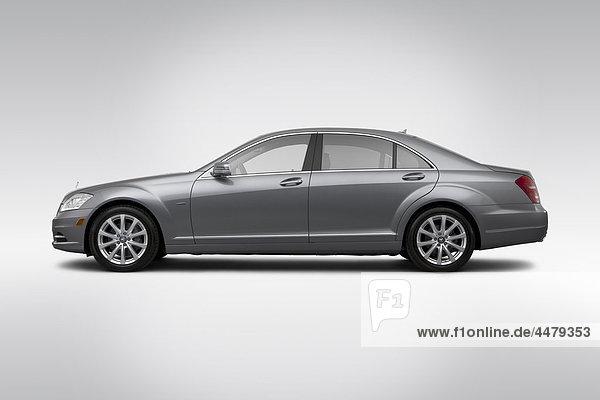 2011 Mercedes-Benz S-Klasse Hybrid S400 in Silber - Treiber Seitenprofil