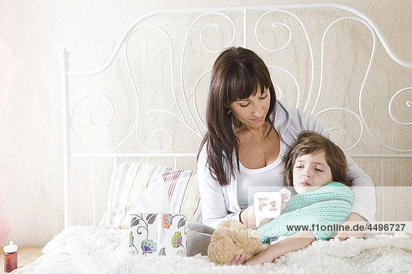 Reinigung Krankheit Tochter Mutter - Mensch