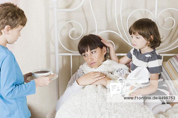 nehmen Krankheit Fürsorglichkeit Mutter - Mensch