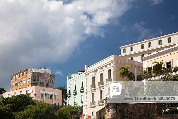 Puerto Rico  San Juan  Old San Juan  buildings.