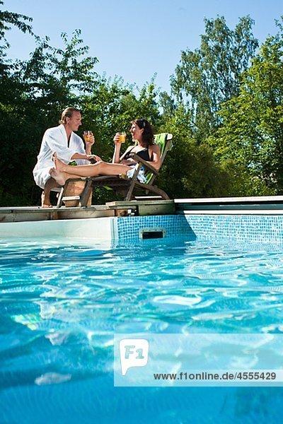nahe trinken Schwimmbad