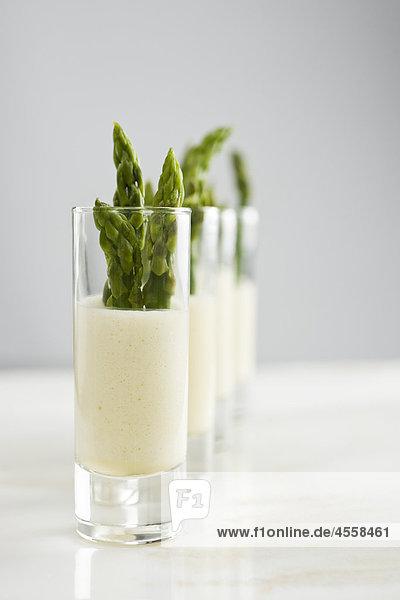 Spargel mit citrus Mayonnaise  / Mit Englischsprachigem Rezept