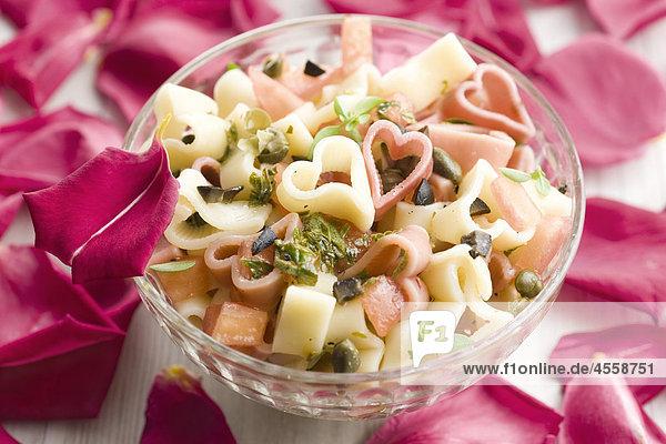 Pasta-Salat mit Kräutern  / Mit Englischsprachigem Rezept