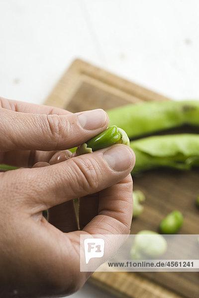 Saubohnen mit Serrano-Schinken  Mit Englischsprachigem Rezept Und Teil Eines Pakete