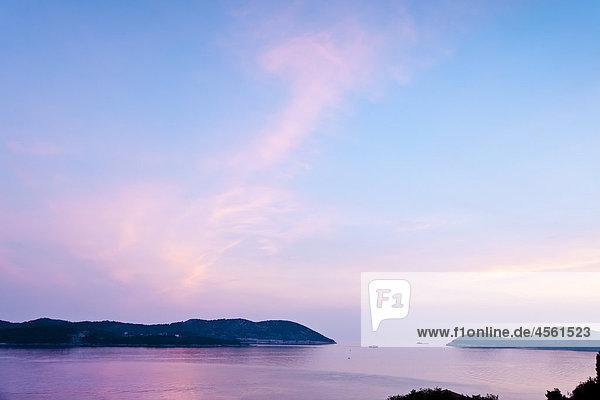 Sonnenuntergang  Dubrovnik  Kroatien