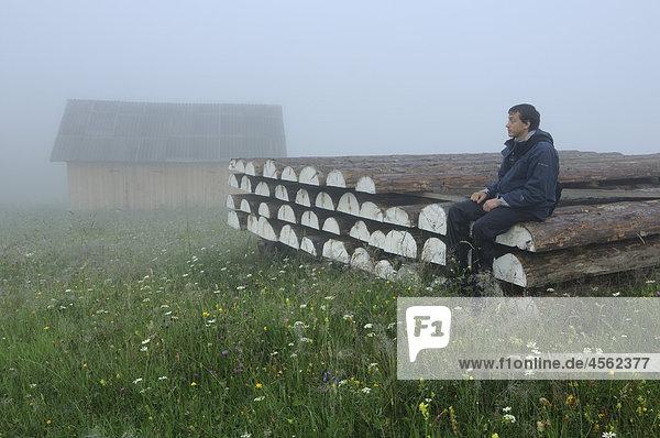 sitzend Mann Ukraine