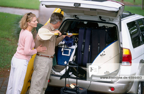 loading the car for vacation