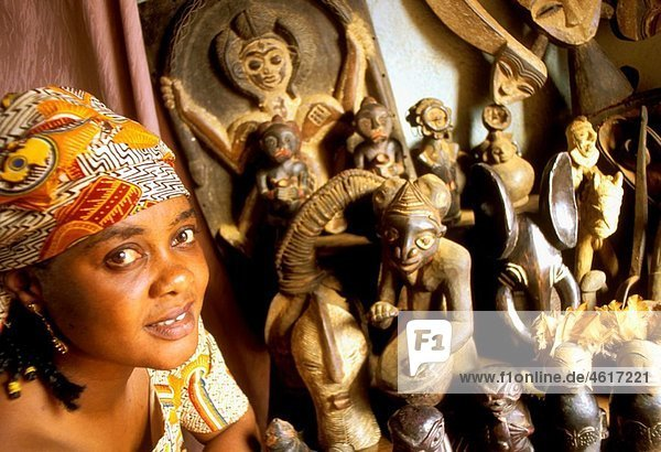 Wooden  brass and bronze statues  Bamum  Northwest Province  Cameroon