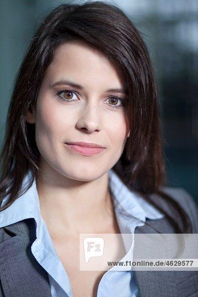 Business woman smiling  portarit
