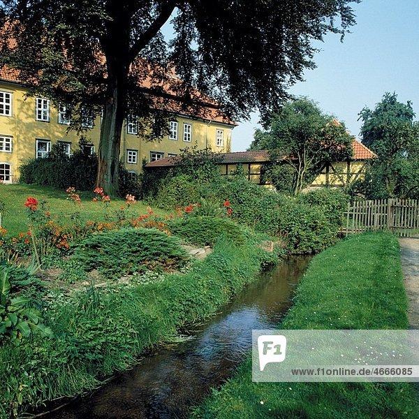 D-Neustadt am Ruebenberge,  Leine,  Leinetal,  Naturpark Steinhuder Meer,  Niedersachsen,  D-Neustadt am Ruebenberge-Mariensee,  Kloster Mariensee,  Zisterzienserinnenkloster,  Garten,  Bach,  D-Neustadt am Ruebenberge,  Leine,  Leine valley,  nature reserve Steinhude