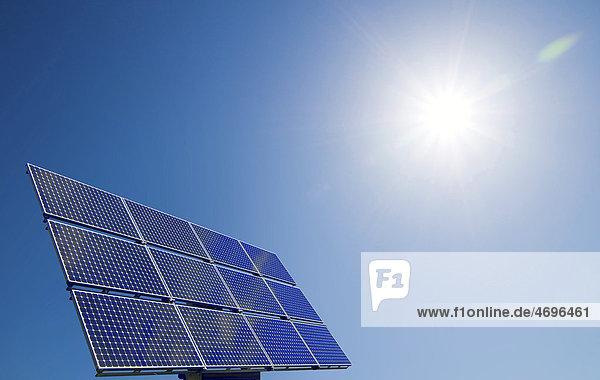 Solarpanel mit Sonne