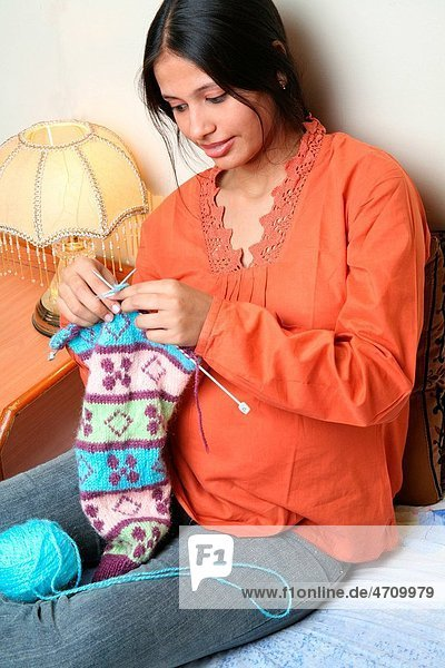 South Asian Indian young pregnant married lady weaving sweater MR687 Q