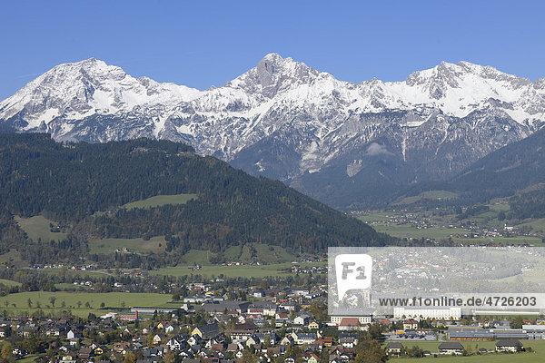 Stadt Admont und Haller Mauern  Admont  Gesäuse  Steiermark  Österreich  Europa