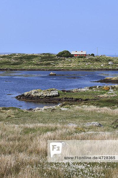 See und Landhaus nahe Cleggan  Connemara  County Galway  Republik Irland  Europa
