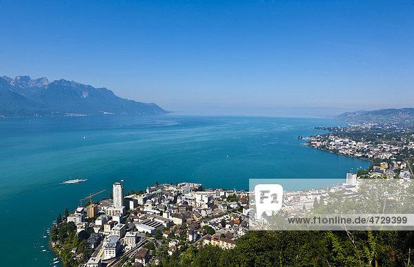 Blick auf Montreux  hinten der Genfer See  Montreux  Kanton Waadt  Schweiz  Europa Kanton Waadt