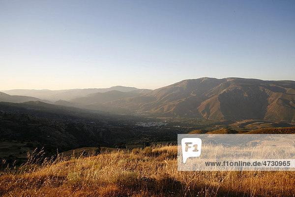 Sonnenaufgang bei Orgiva  Alpujarra  Sierra Nevada  Spanien  Europa