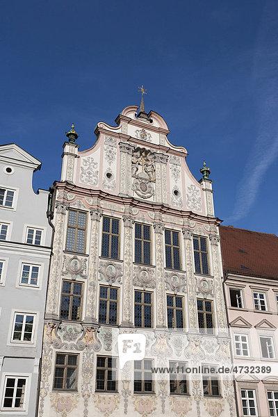 Rathaus mit Stuckfassade von 1719  Landsberg am Lech  Bayern  Deutschland  Europa