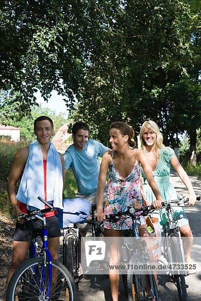 Berg 4 Freundschaft Wald Fahrrad Rad