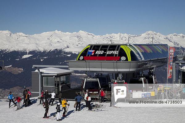 Bergstation der Bergbahn am Gipfelplateau  Wintersportgebiet Kronplatz  2272m  Bruneck  Pustertal  Südtirol  Italien  Europa