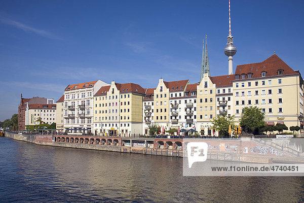 Nikolaiviertel  Nikolai Quarter  and River Spree  Berlin  Germany  Europe